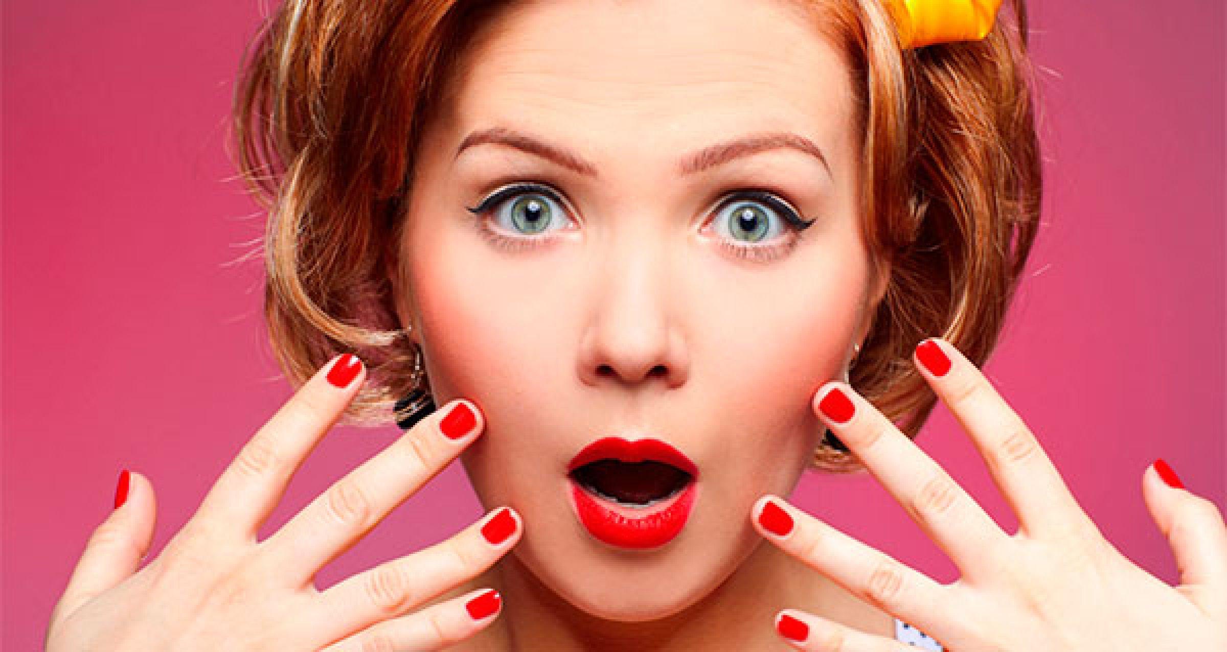 Смешное фото девушки и ногти
