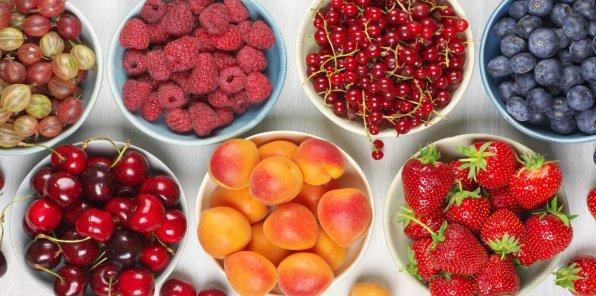 -20% на сезонные ягоды и свежие фрукты