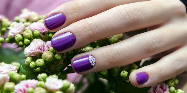 Скидки до 80% на ногтевой сервис в салоне «Венера»