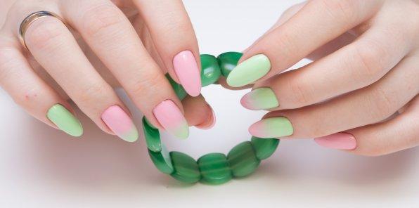 Скидки до 63% на ногтевой сервис в салоне «Иволга»