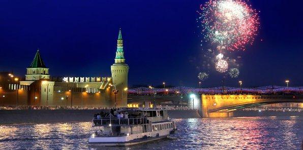 Скидки до 58% на прогулку на теплоходе по Москве-реке
