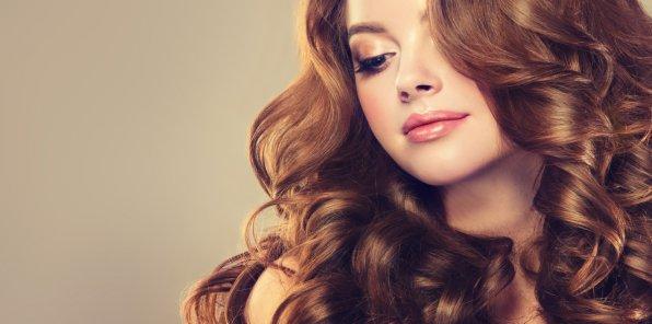 Скидки до 72% на услуги для волос в салоне «Рена»