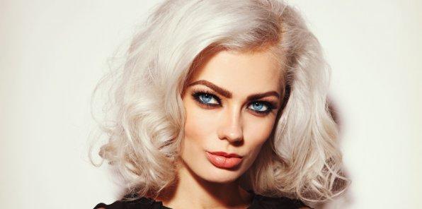 Скидки до 70% на парикмахерские услуги в салоне Platinum