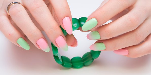 Скидки до 63% на ногтевой сервис в салоне «Марафет» на Пискаревке