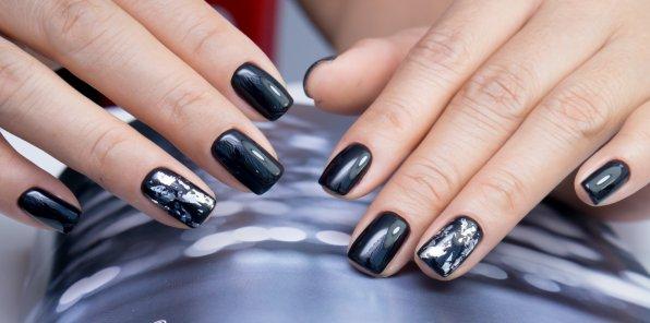 Скидки до 60% на ногтевой сервис в студии красоты «Стар»