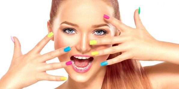 Скидки до 65% на ногтевой сервис в салоне «У подруг»