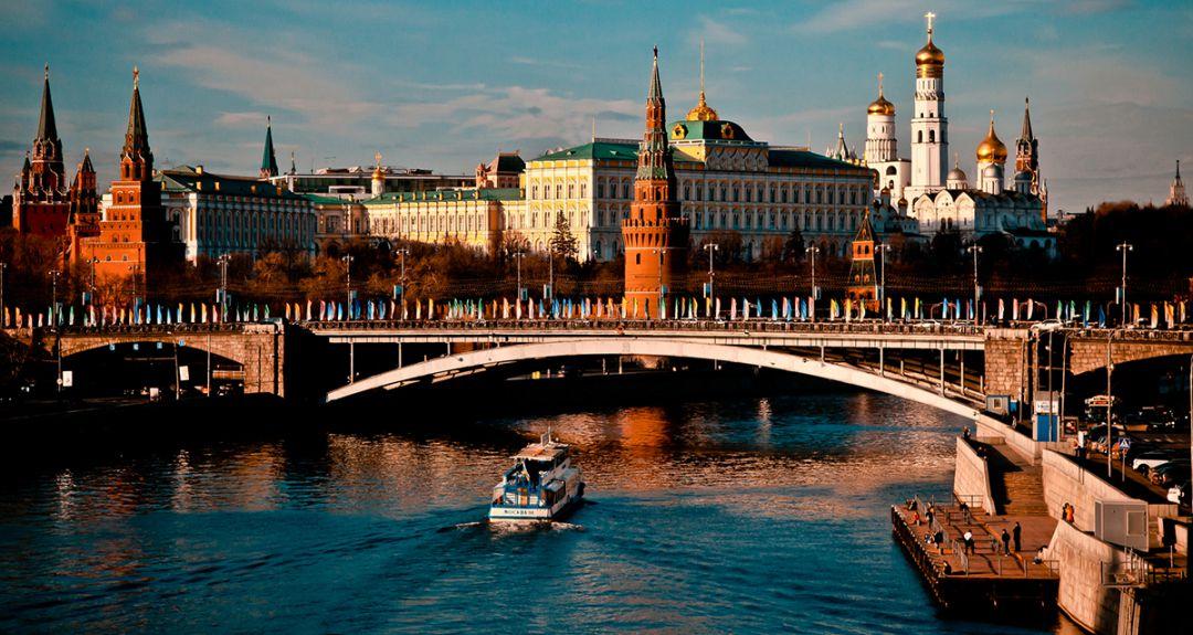 Скидки до 69% на прогулку на теплоходе от компании «Москва 99»