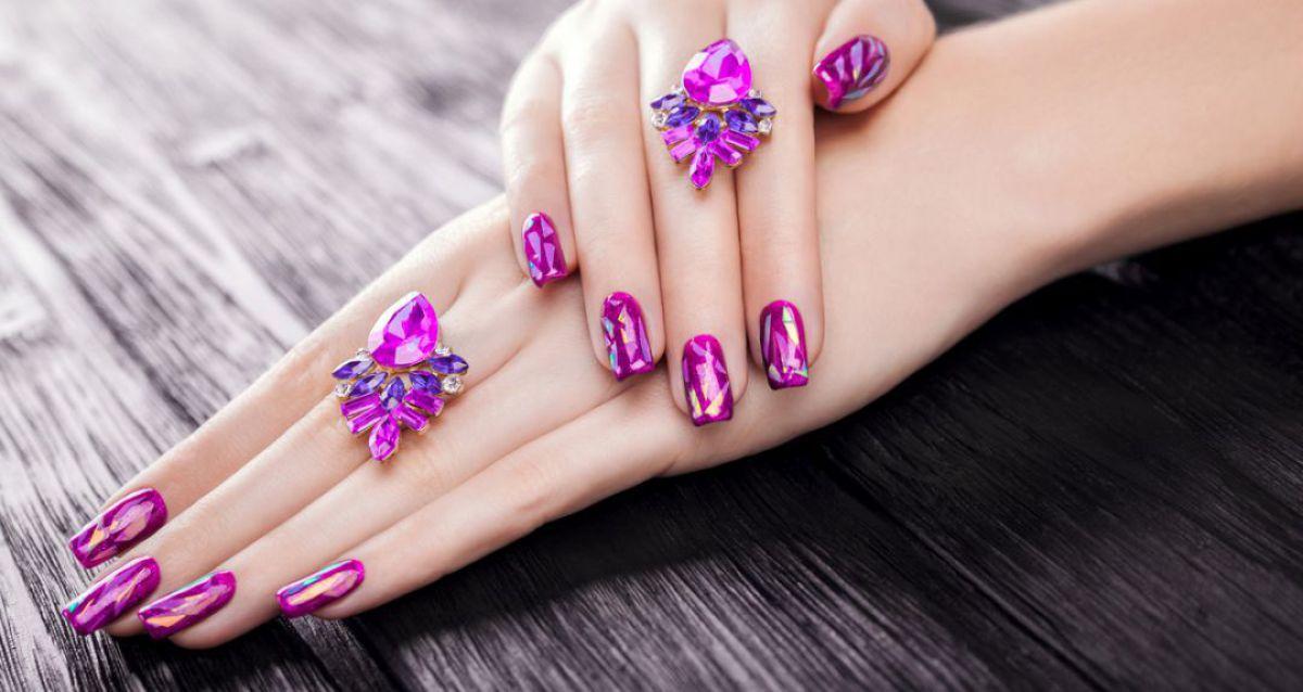Скидки до 82% на ногтевой сервис в центре Москвы