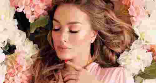 Скидки до 70% на услуги для волос в салоне «Моника»