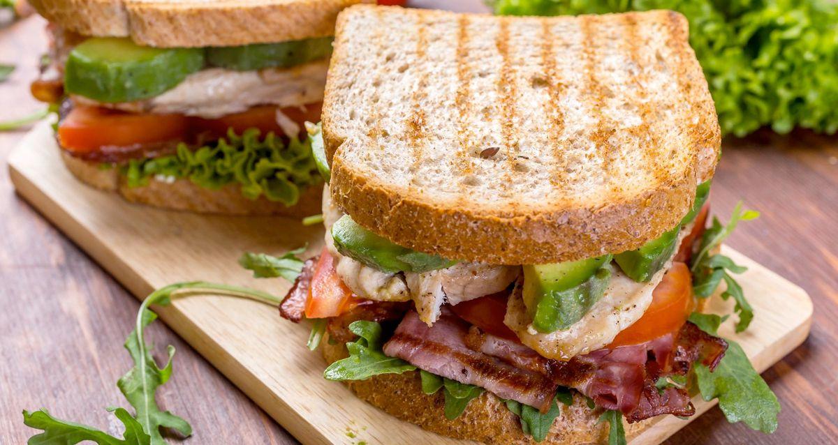 Полезные, сытные и простые сэндвичи с курицей