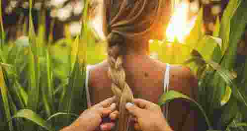 Почему волосы медленно растут, а ногти ломаются: ищем причины