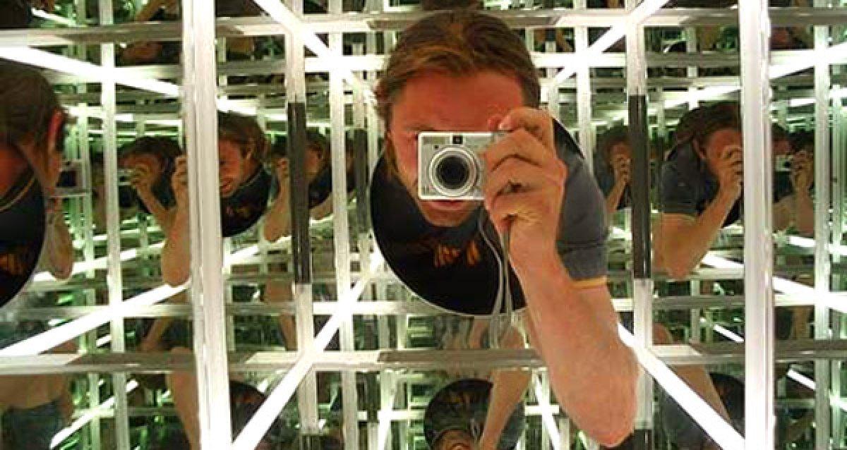 Первый в России зеркальный лабиринт PIKABOLLO (18+)!