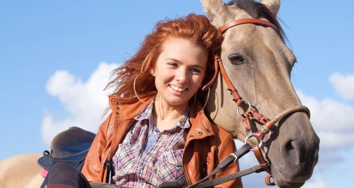 """Сделайте прогулку интереснее! От 1200р. за конную прогулку, прогулку на двоих в конном экипаже и чаепитие от КСК """"Баллада"""""""