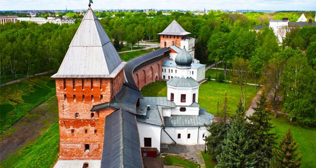 Расширяйте кругозор! Скидка 50% на автобусные экскурсии в Великий Новгород, Выборг, Павловск и Гатчину