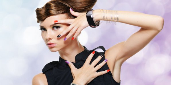 Скидки до 65% на услуги салона красоты! От 300р. за услуги для волос, 490р. за маникюр и многое другое!