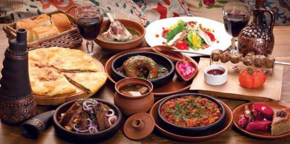 Разделите праздник с близкими! Всего 491 р./чел. за банкет «под ключ» на 2, 6, 8 или 10 человек в кафе грузинской кухни «Амра»!