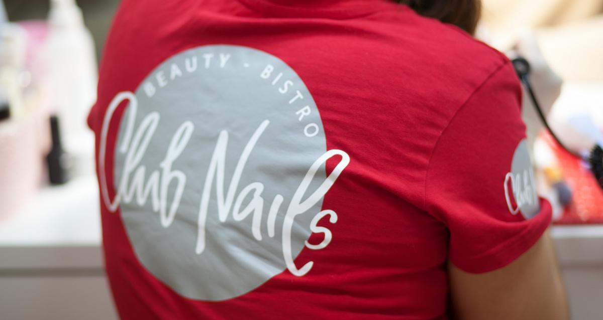 маникюр в салоне красоты CLUB NAILS